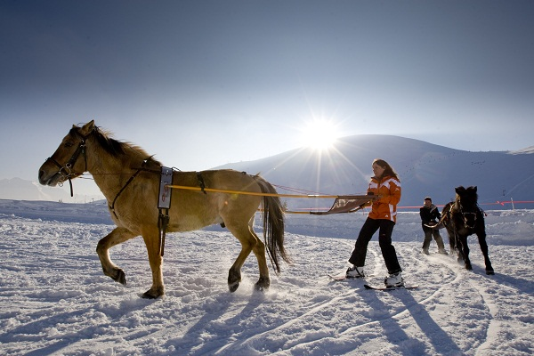 http://weloveski.intersport-rent.fr/wp-content/uploads/2014/01/ski-Joering.jpg