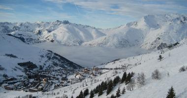 Vue sur la station des 2 Alpes (©Adam Zajdzik)
