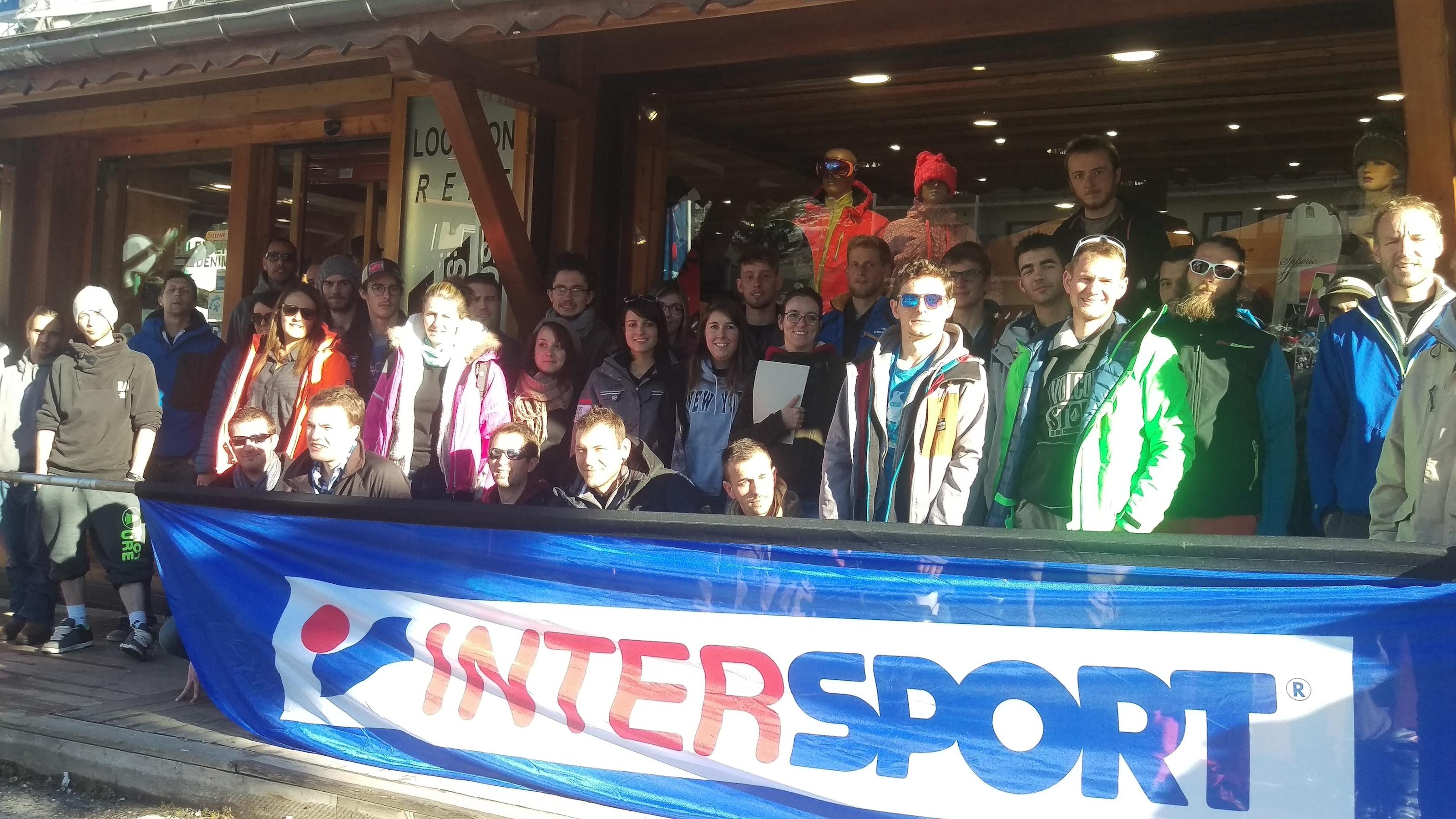 L'équipe des nouveaux skimens d'INTERSPORT pour cette saison - Crédit : Agence SWiTCH