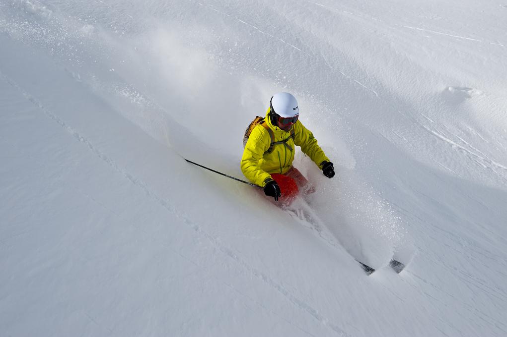 skieur hors piste - crédits : Camptocamp.org / CC-by-sa