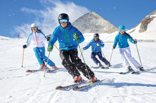 Skieurs - Photo INTERSPORT