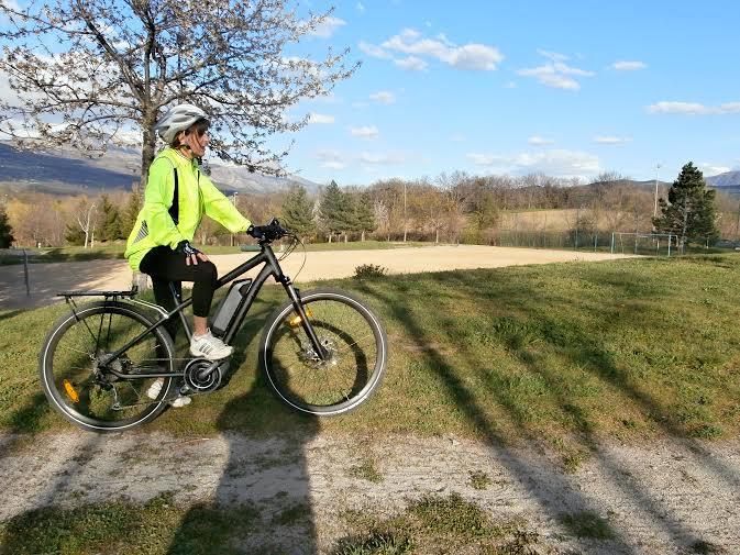 Promenade à vélo électrique. Crédits - Agence Switch
