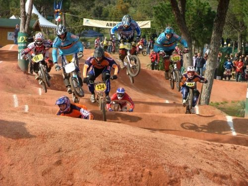 BMX race. Crédits : Wikipédia, libre de droits