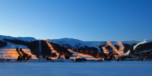 La station Super-Besse en Auvergne ouvre quelques-unes des ses pistes jusqu'à 21h (@OTSancy)