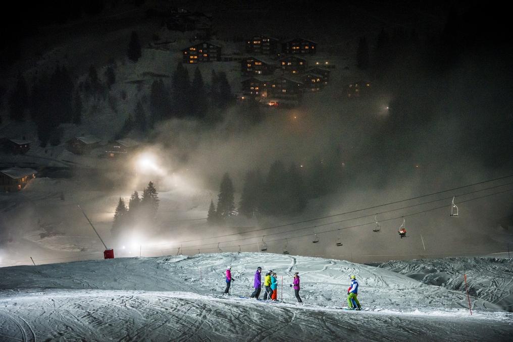 http://weloveski.intersport-rent.fr/wp-content/uploads/2016/12/Ski-nocturne-Manigod-D.-Machet-Aravis.jpg