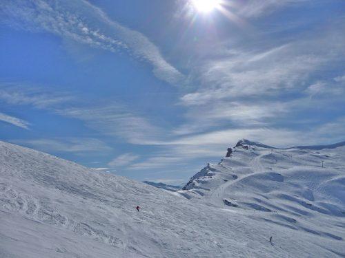 Skieurs sur les pistes d'Avoriaz (Portes du Soleil)