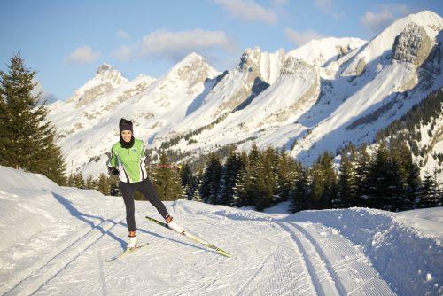 Ski de fond sur un parcours à la Clusaz