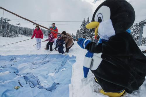 Les pistes ludiques et scénarisées fleurissent pour le plus grand bonheur des familles. Ici la piste des Inuits à Méribel