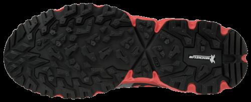 Semelle Michelin de la chaussure de Trail Wave Daichi de la marque Mizuno, procurant traction et grip pour courir les montagnes.