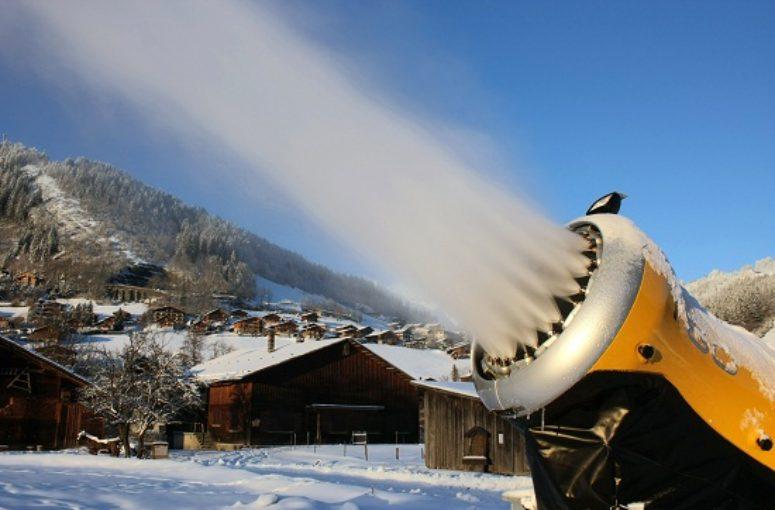Quel est le volume d'eau utilisé pour produire la neige de culture d'un hiver en France ?