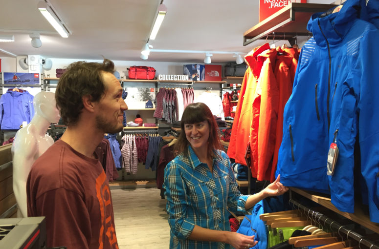 Portrait de montagnard – Interview d'une responsable du rayon vêtements techniques