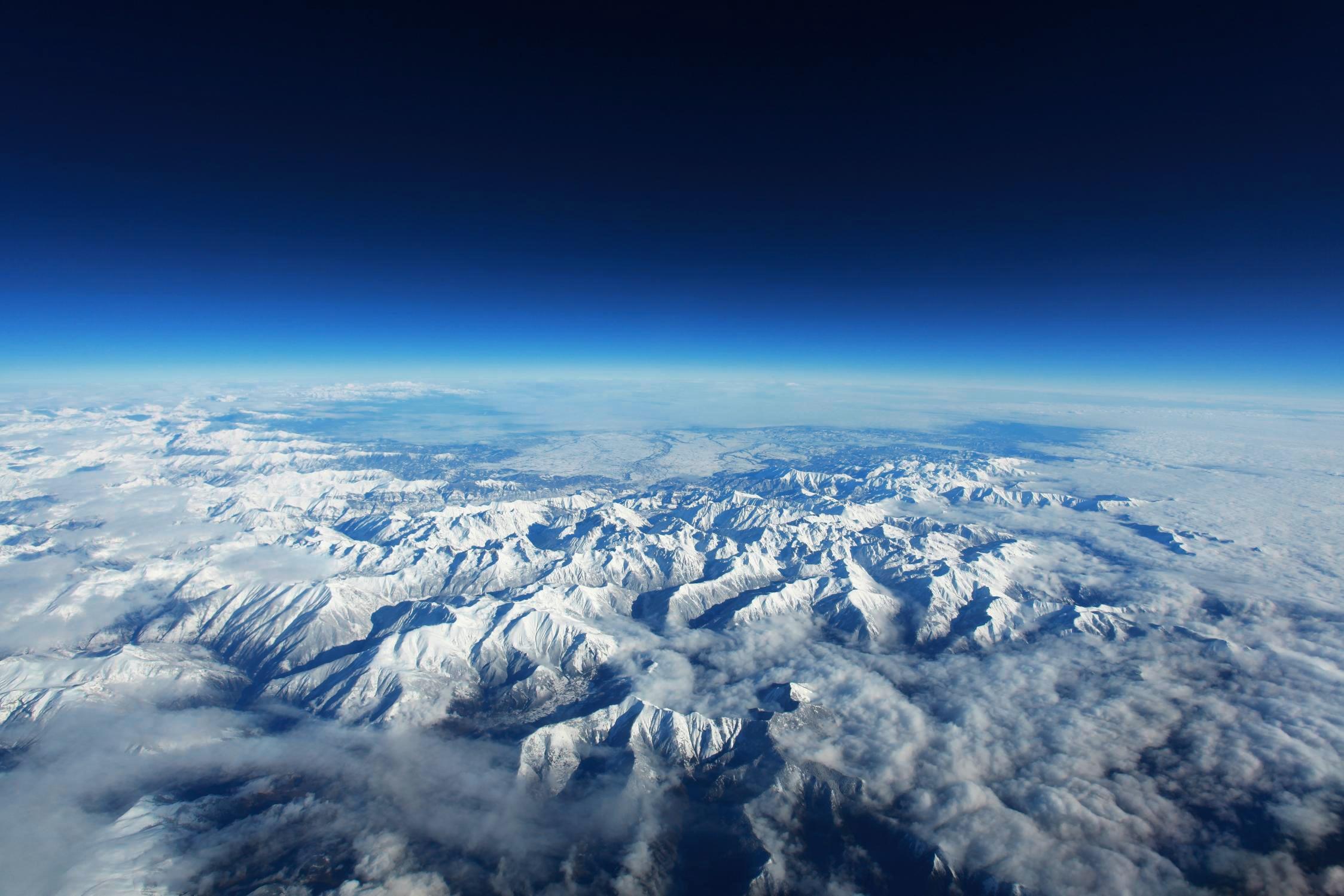 Vue aérienne des Pyrénées (©Photo by Witizia)