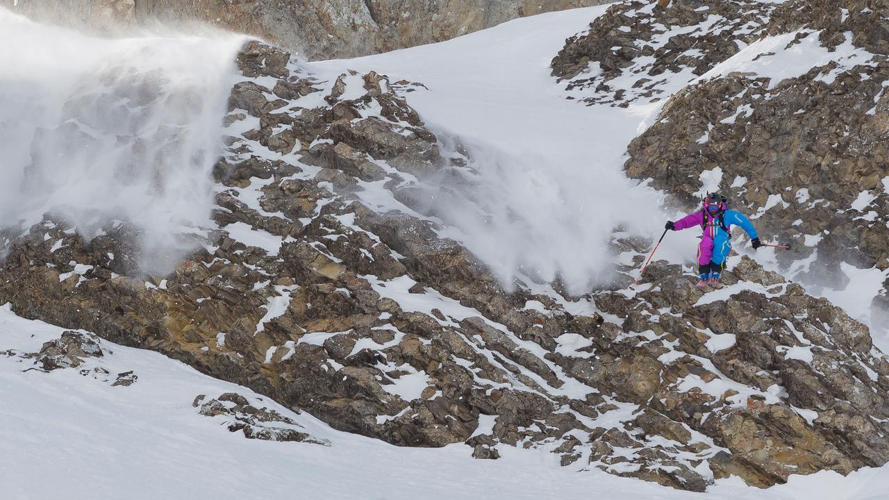Sébastien Michaud entrain de sauter une barre rocheuse