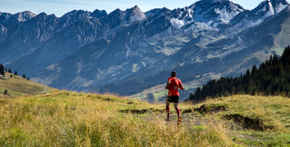 Le trail a le vent en poupe en montagne dont les sentiers se prêtent à cette pratique. En été, pas un week-end sans une course de trail. Ici à La Clusaz, le Bélier, fin août, la plus ancienne course a plus de 30 ans. ©Kinaphoto/ Le Bélier / la Clusaz